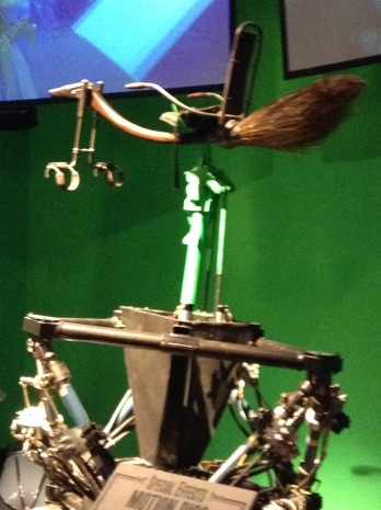 They used numerous different types of rig for the broomstick manuvers